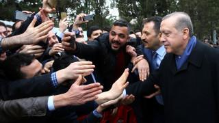 Ερντογάν από το προεδρικό αεροσκάφος: Η χώρα παραμένει σε κατάσταση έκτακτης ανάγκης
