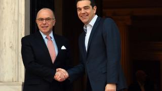 Τσίπρας στον Καζνέβ: Η Ελλάδα θα βγει πιο δυνατή από αυτή την κρίση (vid)