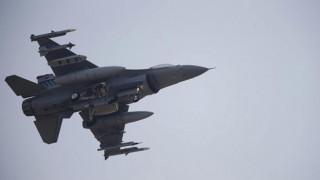 Εντοπίστηκε τραυματισμένος ο πιλότος του μαχητικού που συνετρίβη στα σύνορα Τουρκίας-Συρίας
