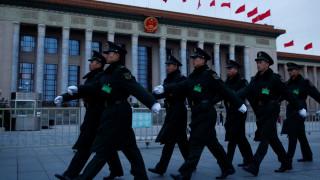 Το Πεκίνο αυξάνει την αμυντική του δύναμη