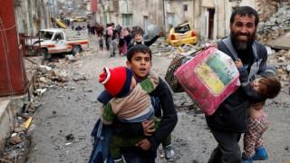 Μοσούλη: Στους 45.000 οι εκτοπισμένοι – σε τέσσερα σημεία μάχονται οι ιρακινές δυνάμεις