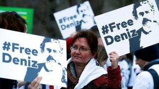 Σε απομόνωση σε τουρκικές φυλακές ο δημοσιογράφος της Welt Ντενίζ Γιουτζέλ
