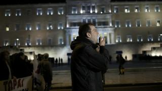 Guardian: Η Ελλάδα απελπισμένη αναζητά στρατηγική ανάπτυξης