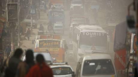 Έκθεση ΠΟΥ: Το μολυσμένο περιβάλλον υπεύθυνο για το 25% των θανάτων παιδιών