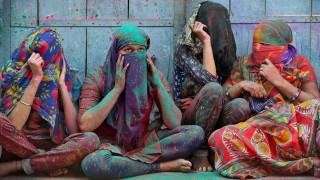 Ξεκίνησε η γιορτή των χρωμάτων στην Ινδία