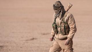Τζιχαντιστές αναγκάζουν αμάχους να φοράνε την στολή του ISIS