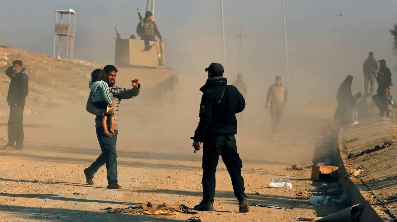 Μοσούλη: Προελαύνει ο ιρακινός στρατός, εγκαταλείπουν την πόλη οι άμαχοι (pics)