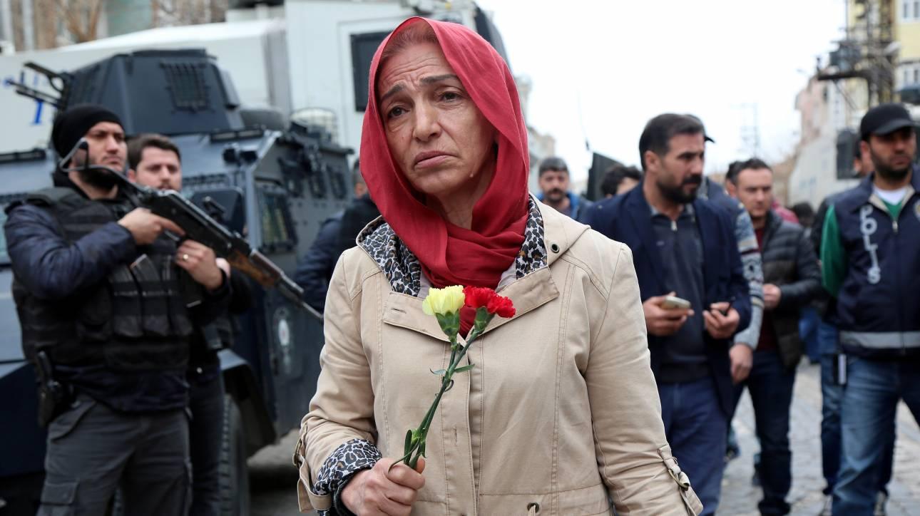 Παγκόσμια Ημέρα της Γυναίκας: Σε κλίμα μαχητικότητας ο 40ος εορτασμός (pics)