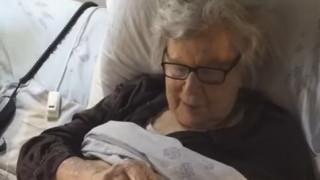 Μίκης Θεοδωράκης: Το συγκινητικό βίντεο της κόρης του