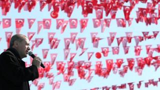 Προεκλογική εκστρατεία του Ερντογάν στα Κατεχόμενα για το δημοψήφισμα