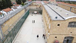 Κύπρος: Το πρώτο κόμμα στον κόσμο με επικεφαλής ισοβίτη