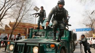 Τουλάχιστον 30 νεκροί από την επίθεση στο στρατιωτικό νοσοκομείο της Καμπούλ (pics)