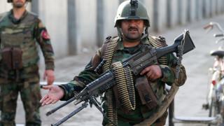 Έσπειραν το θάνατο ένοπλοι που είχαν μεταμφιεστεί σε γιατρούς στην Καμπούλ