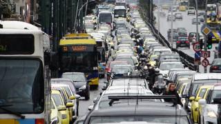 Κυκλοφοριακό χάος λόγω της έντονης βροχόπτωσης (pics)