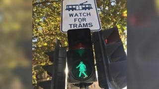 Φανάρια με γυναικεία μορφή στους δρόμους της Μελβούρνης (pics)