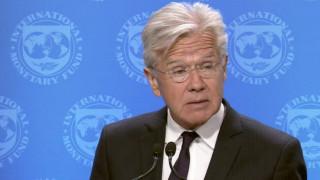 Το ΔΝΤ «προσγειώνει» την αισιοδοξία – Παραμένουν σημαντικές διαφορές
