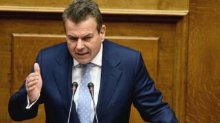Η γκάφα του Πετρόπουλου στη βουλή… και το Fak News (vid)