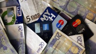 Ραγδαία αύξηση στη χρήση καρτών ανέπαφων συναλλαγών