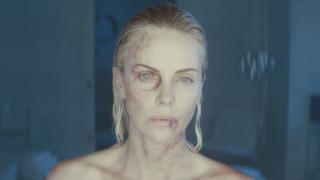 Η Σαρλίζ Θερόν είναι πολύ σκληρή για να πεθάνει (vid)