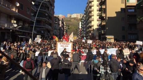 Νάπολι: Επεισόδια στη διαδήλωση κατά του ακροδεξιού Ματέο Σαλβίνι (pics)
