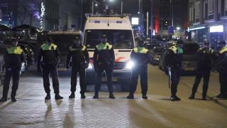 «Πόλεμος» Τουρκίας Ολλανδίας – Απαγόρευσαν στην Τουρκάλα υπουργό να εισέλθει στο προξενείο (pics)