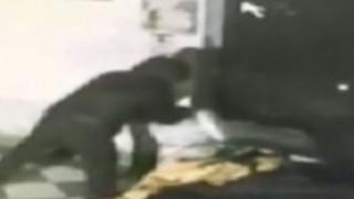 Ομολόγησε ο άντρας που πυρπόλησε με βενζίνη τον 45χρονο άστεγο (vids)