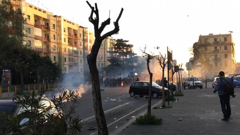 «Βράζει» η Ιταλία για τον αρχηγό της ακροδεξιάς Λέγκας του Βορρά (pics)