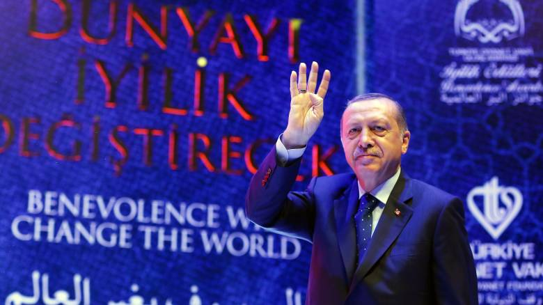 Επιμένει ο Ερντογάν στις εμπρηστικές δηλώσεις: «Μπανανία η Ολλανδία»