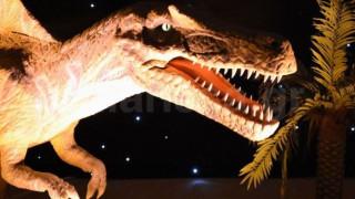 Δεινόσαυροι στη.. Λάρισα (pics&vid)