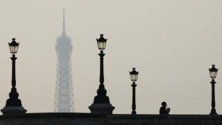 Το Παρίσι υποχρεώνει τους εργαζόμενους σε οικοδομές να μιλούν... μόνο γαλλικά