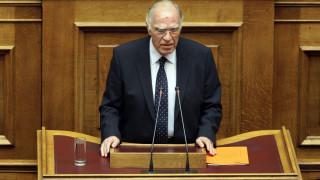 Η Ένωση Κεντρώων ζητά να μειωθούν οι βουλευτές