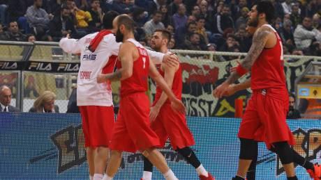 Α1 μπάσκετ: Ο Ολυμπιακός νίκησε την ΑΕΚ και δεν χάνει την πρωτιά