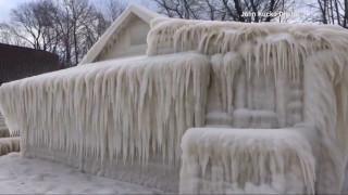 Σπίτι καλύφθηκε ολόκληρο από πάγο