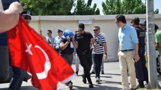 Μυστήριο με τους Τούρκους κομάντος που ζήτησαν άσυλο στην Ελλάδα