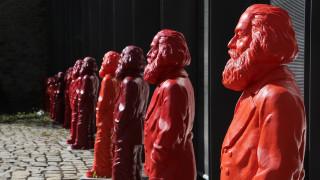 Η Κίνα θέλει να κάνει δώρο στη γενέτειρα του Καρλ Μαρξ ένα τεράστιο άγαλμά του (pics)
