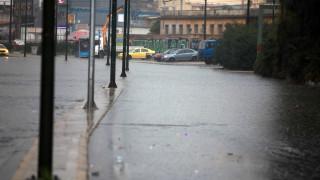 Καιρός: Νεφώσεις και ασθενείς βροχές σήμερα