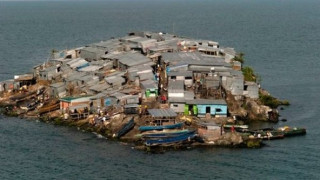 Migingo: Το πιο πυκνοκατοικημένο νησί στο κόσμο μοιάζει με χωματερή (pic+vid)