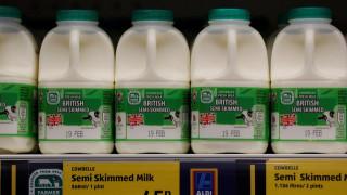 Βρετανία: Το τζιν και το γάλα σόγιας επέστρεψαν στο καλάθι των νοικοκυρών