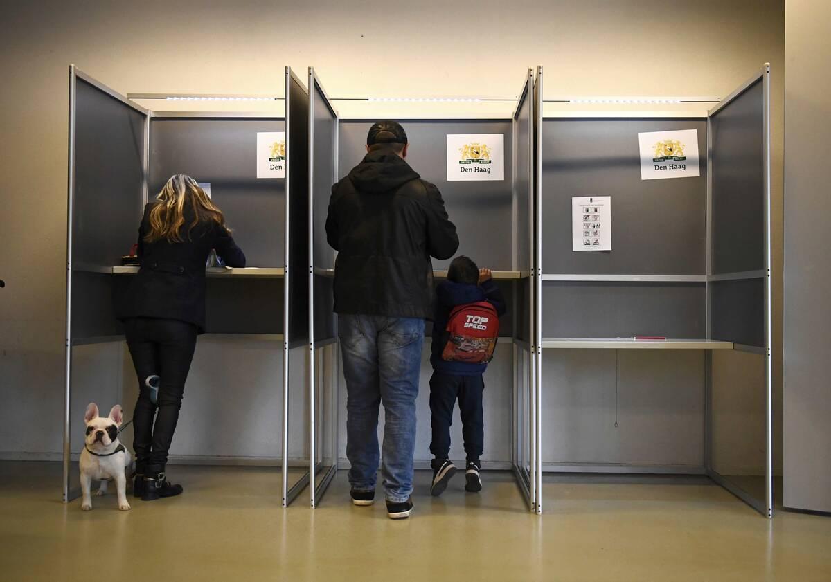 2017 03 15T073821Z 1880359203 LR1ED3F0L7M72 RTRMADP 3 NETHERLANDS ELECTION