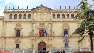 Σάλος στην Ισπανία από το πάρτι με στρίπερ μέσα σε Δημαρχείο