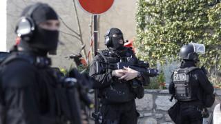 Συναγερμός στη Γαλλία από την επίθεση με πυροβολισμούς σε σχολείο (pics)