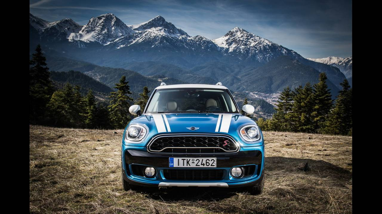 https://cdn.cnngreece.gr/media/news/2017/03/16/72221/photos/snapshot/MINI-COUNTRYMAN-2017-1.jpg