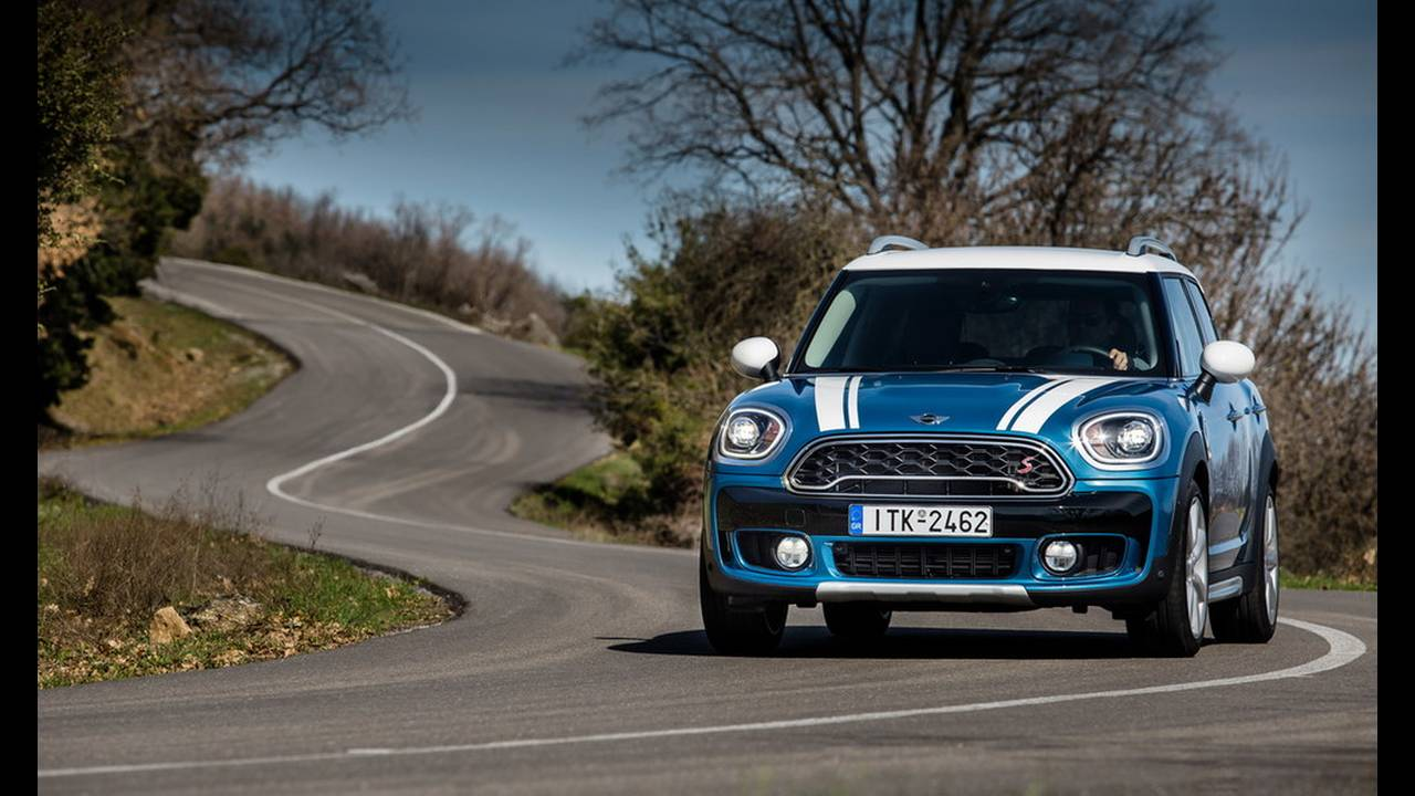 https://cdn.cnngreece.gr/media/news/2017/03/16/72221/photos/snapshot/MINI-COUNTRYMAN-2017-12.jpg