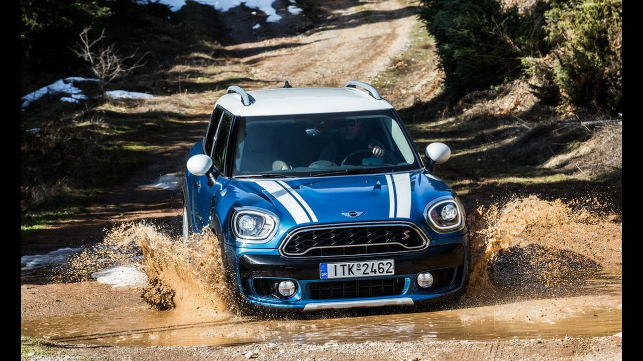 https://cdn.cnngreece.gr/media/news/2017/03/16/72221/photos/snapshot/MINI-COUNTRYMAN-2017-13.jpg