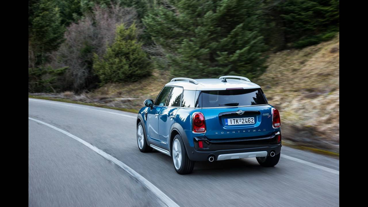 https://cdn.cnngreece.gr/media/news/2017/03/16/72221/photos/snapshot/MINI-COUNTRYMAN-2017-17.jpg