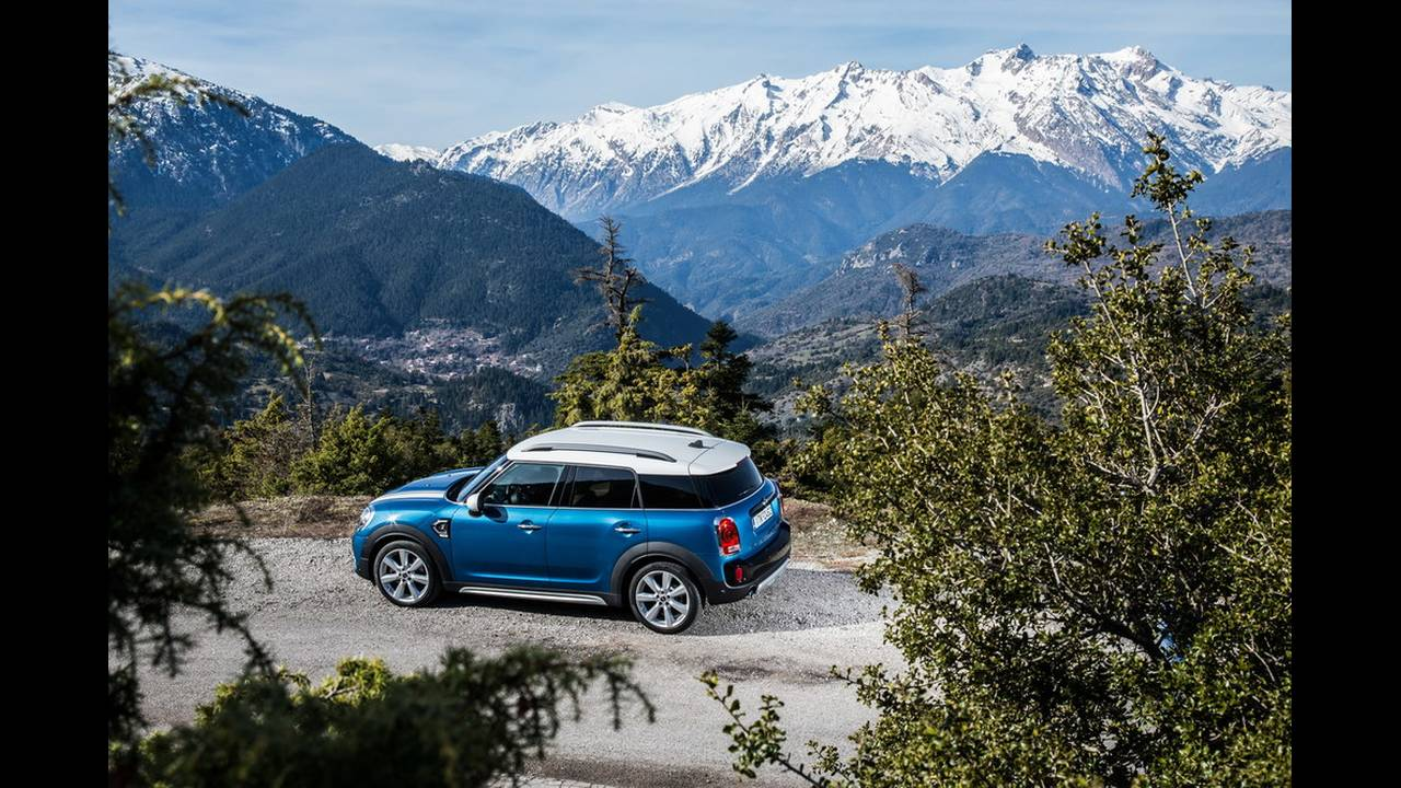 https://cdn.cnngreece.gr/media/news/2017/03/16/72221/photos/snapshot/MINI-COUNTRYMAN-2017-3.jpg