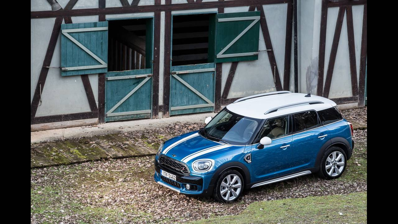 https://cdn.cnngreece.gr/media/news/2017/03/16/72221/photos/snapshot/MINI-COUNTRYMAN-2017-4.jpg