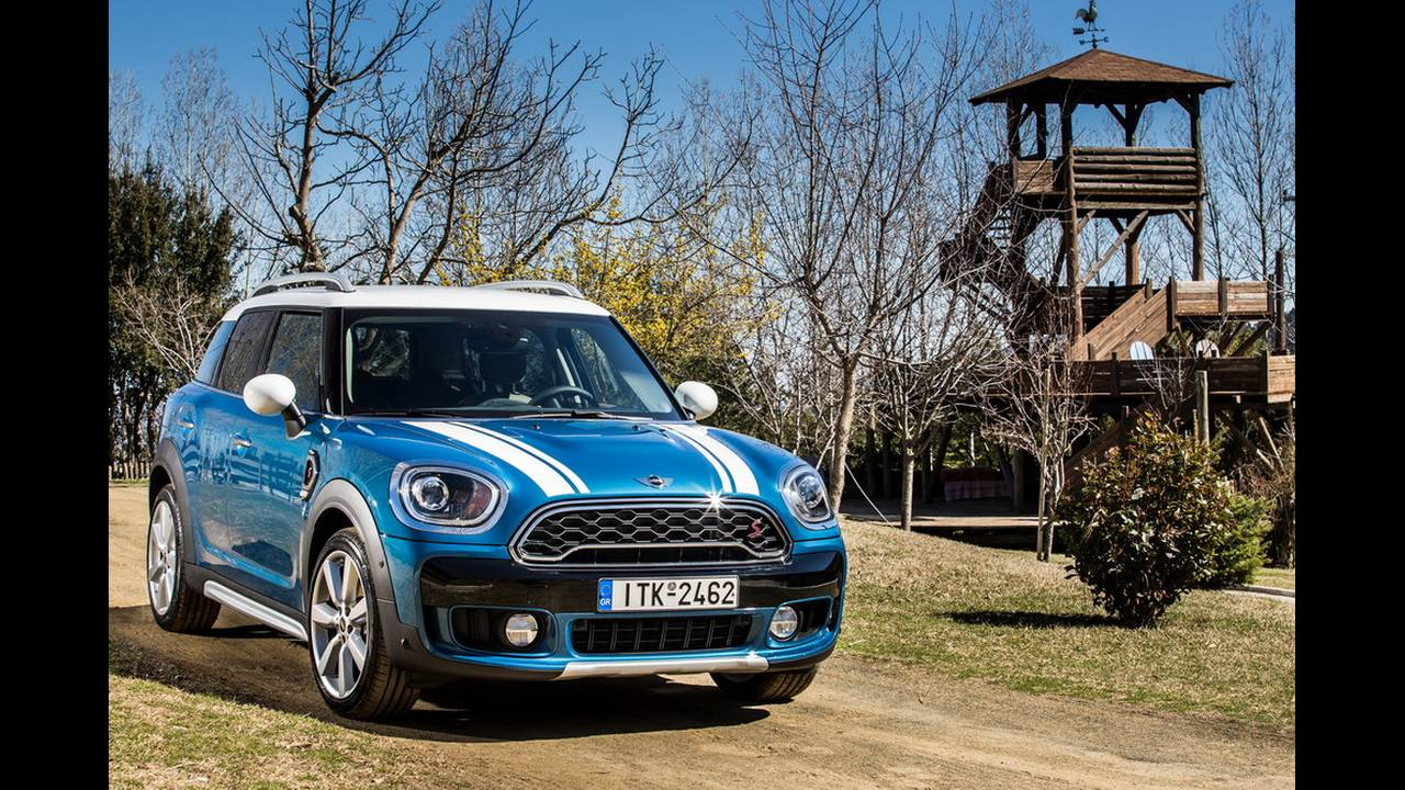 https://cdn.cnngreece.gr/media/news/2017/03/16/72221/photos/snapshot/MINI-COUNTRYMAN-2017-5.jpg