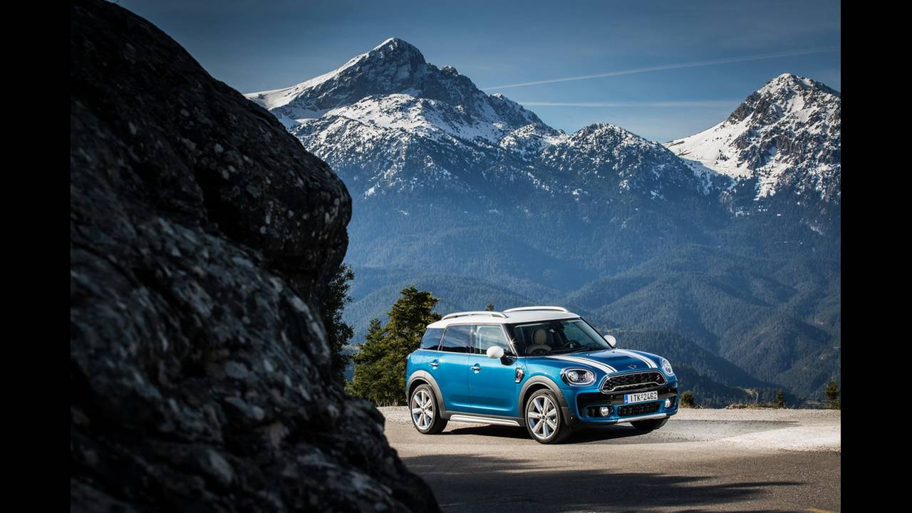 https://cdn.cnngreece.gr/media/news/2017/03/16/72221/photos/snapshot/MINI-COUNTRYMAN-2017-6.jpg