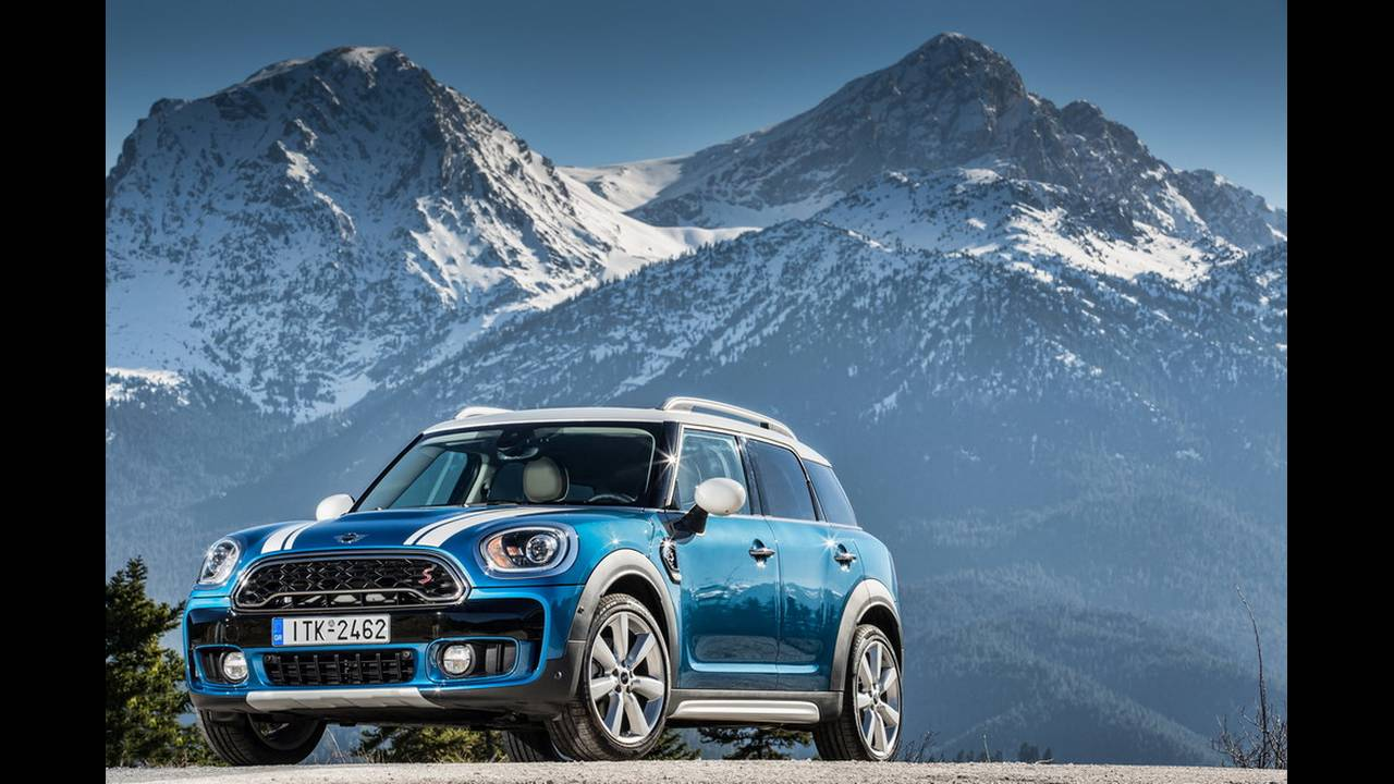 https://cdn.cnngreece.gr/media/news/2017/03/16/72221/photos/snapshot/MINI-COUNTRYMAN-2017-9.jpg